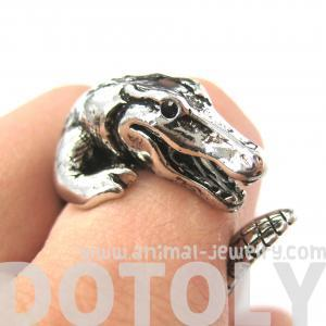 Large 3D Crocodile Animal Wrap Arou..