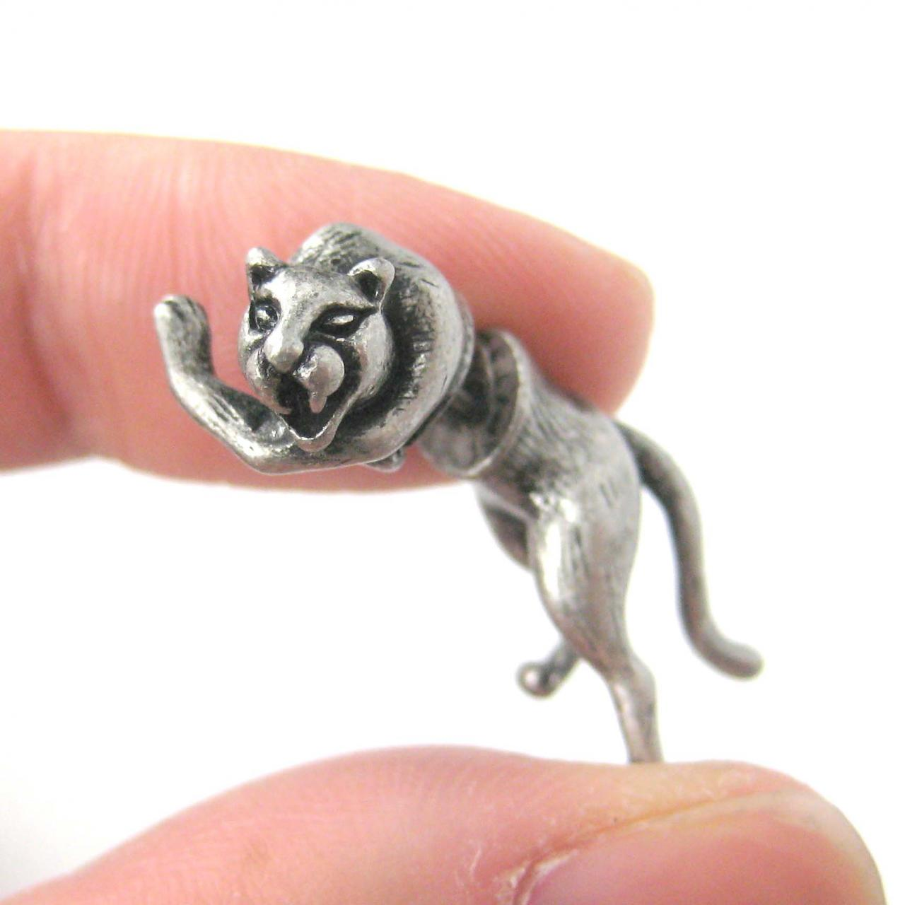 UNIQUE FAKE GAUGE LIONESS LION SHAPED ANIMAL STUD EARRINGS IN SILVER