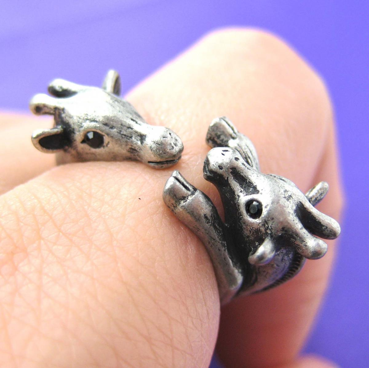 Adjustable Mom and Baby Giraffe Animal Hug Wrap Ring in Silver