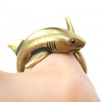 3D Realistic Shark Sea Animal Hug Wrap Ring in Brass - Sizes 5 to 10 Available