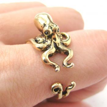 3D Realistic Octopus Squid Animal Wrap Ring in Shiny Gold - Sizes 4 to 9 Available