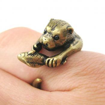 Realistic Otter With Fish Animal Wrap Ring in Bronze | Sizes 4 to 9 US Available