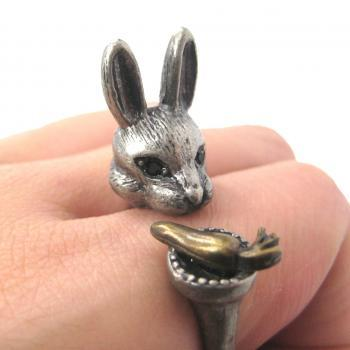LARGE BUNNY RABBIT AND CARROT SHAPED ANIMAL RING IN SILVER | SIZES 7 TO 11